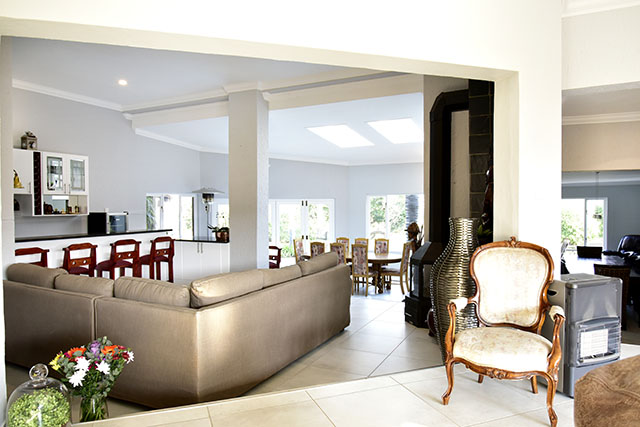 Striking Timeless Sophistication Roma Naude Remax