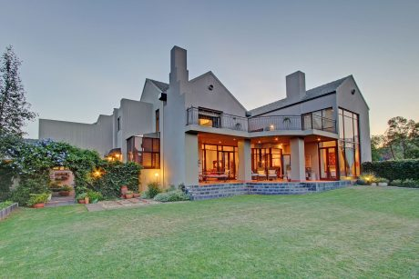 Mooikloof Equestrian Houses for Sale